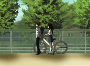 アニメ「氷菓」第11話 える(自転車は体の右)と奉太郎(かばんは左肩)