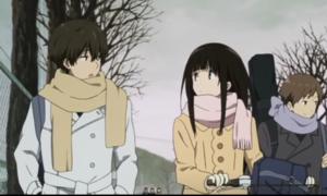 アニメ「氷菓」第21話 える(自転車は体の左側)と奉太郎(かばんは右肩)