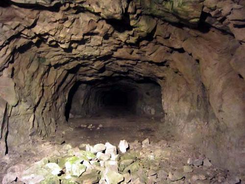 地下壕入り口
